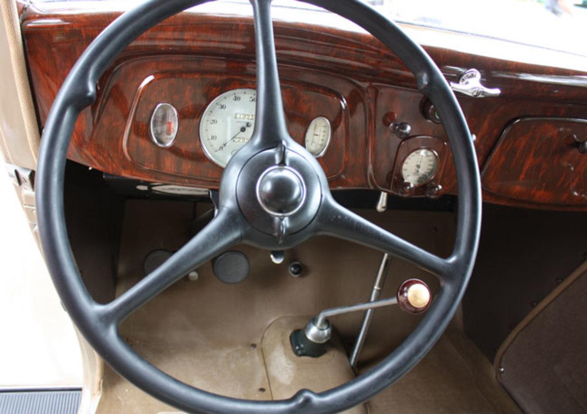 1934-Ford-dash