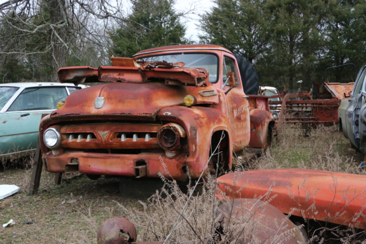 This 1953 Ford pickup was running when it came to the yard. Watts has removed the six-cylinder engine and put it in another vehicle.