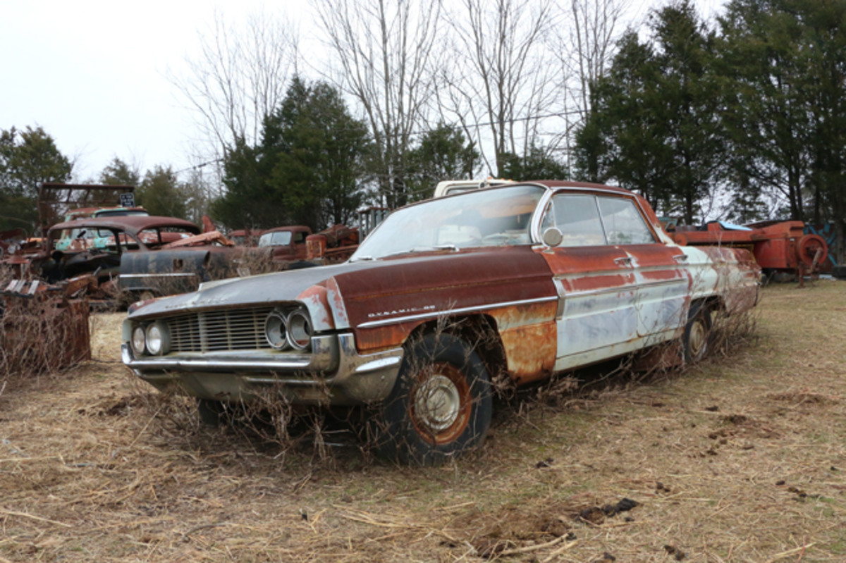 This 1962 Olds Dynamic 88 is a complete car and will either be parted out or sold as a unit, whichever comes first.