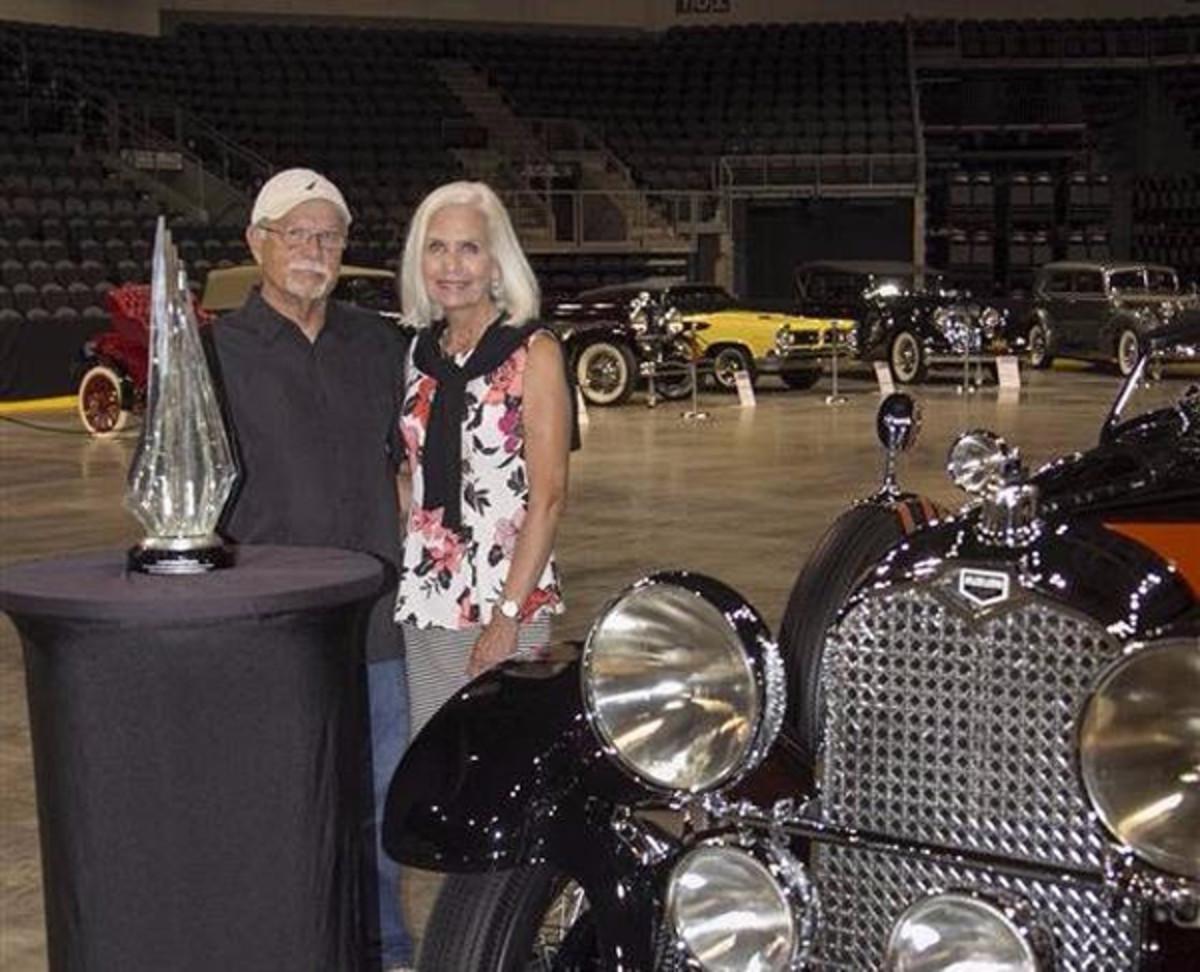 Richard and HelenHarding of Xenia, Ohio