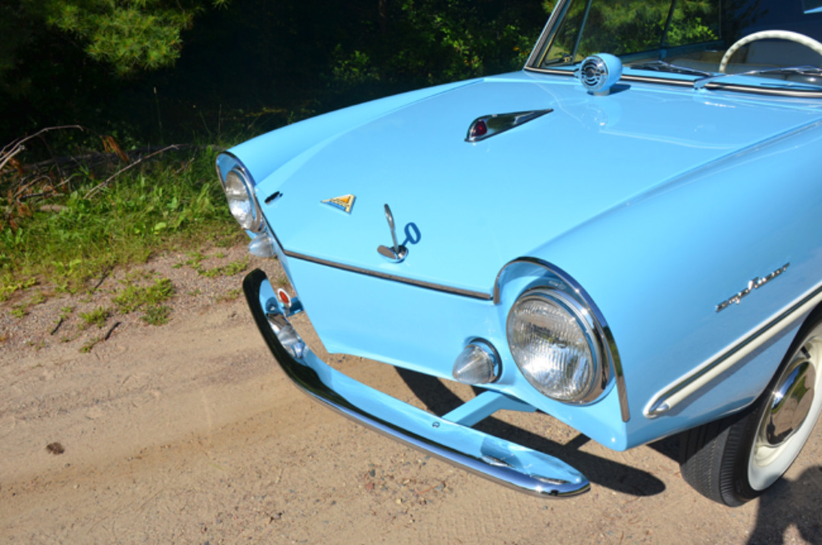 "The ""veed"" nose of the Amphicar"