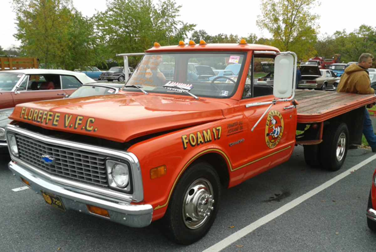 Many fire department vehicles have low odometer readings, and this 1972 Chevrolet C-30 from the Floreffe Volunteer Fire Co. wasn't an exception. Just 5,880 miles had registered on the odometer, which explains the dually flatbed's $12,500 asking price.