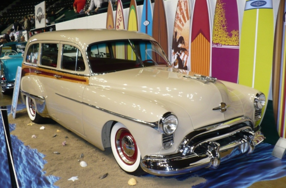 Save for a windy day on Lake Superior, you won't get too much surf action on Minnesota's 10,000-plus lakes. This metal 1950 Olds woodie was displayed by Ed Flaherty.