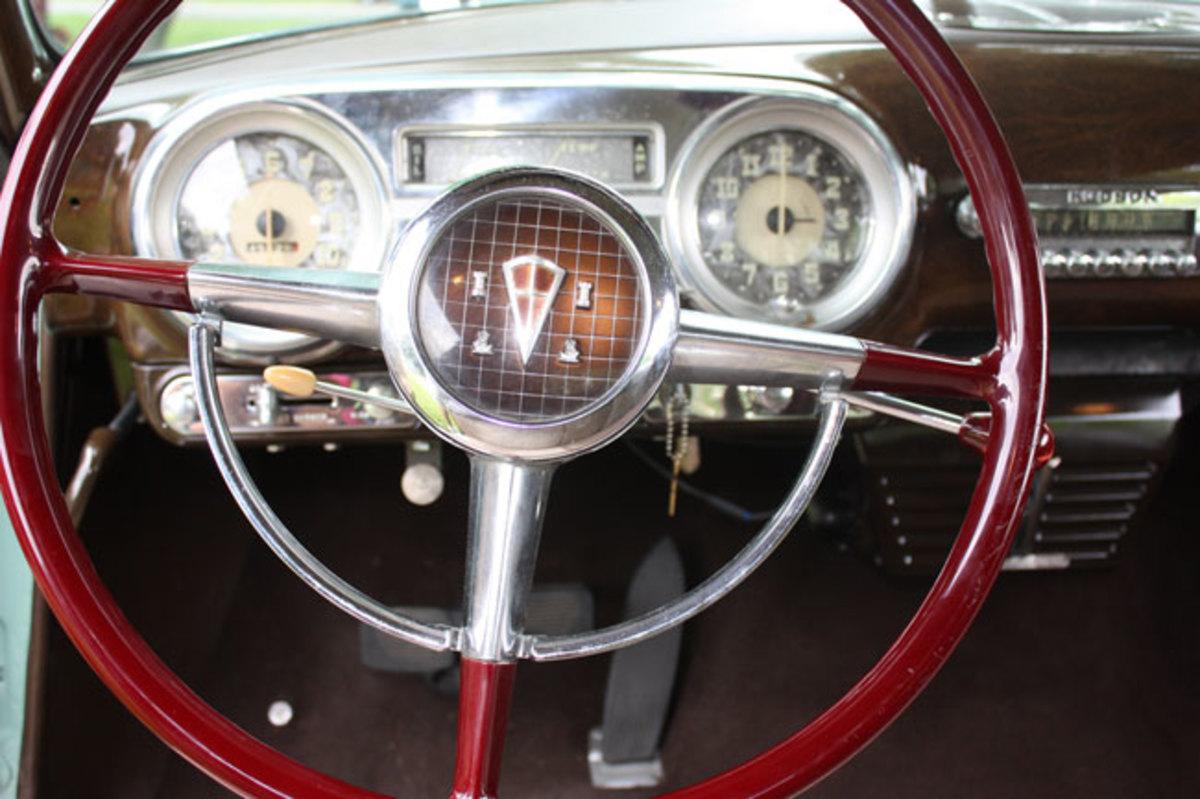 1952-Hudson-Wasp-steering