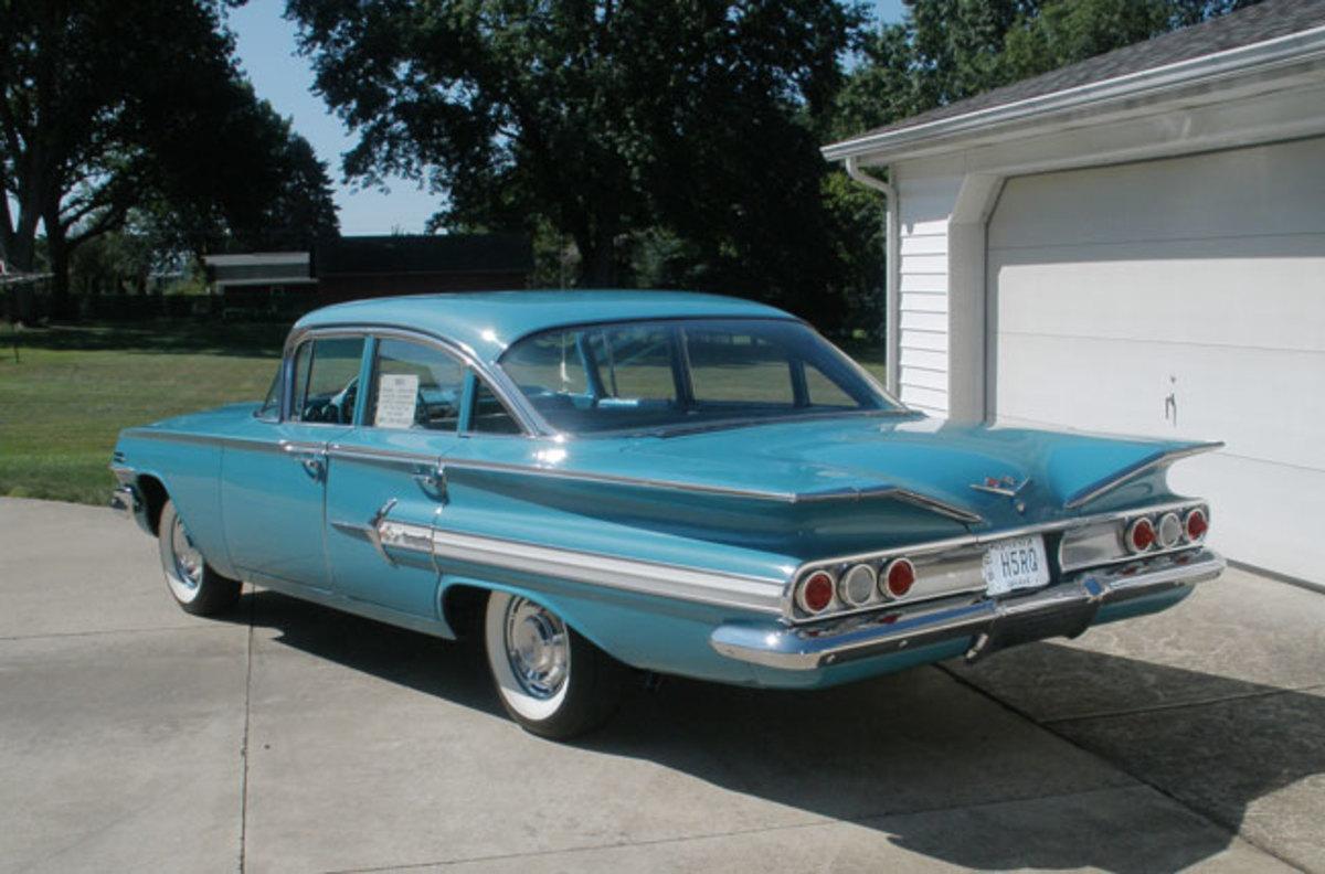 1960-Impala-rear
