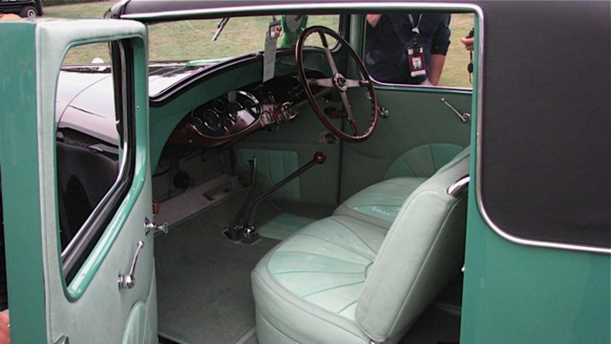0828 1931 Bugatti-interior