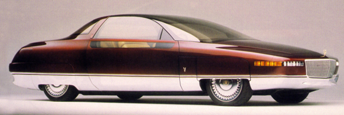 1989 Solitaire coupe concept provided some of their design features to the 1993-1993 Fleetwood. The Fleetwood, in turn, predicted the 1994 DeVille styling.