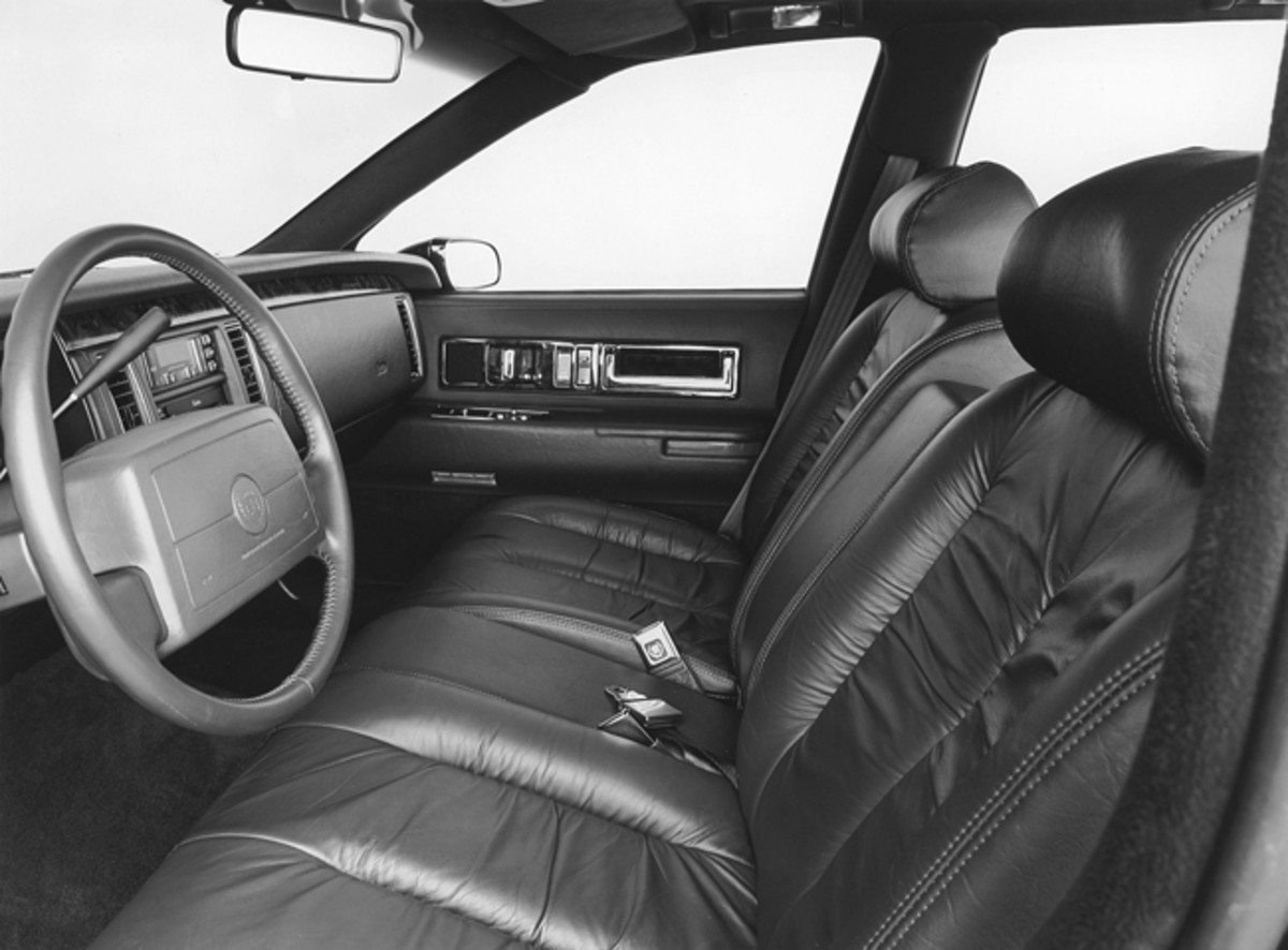 The interior of the 1993 Cadillac Fleetwood and Fleetwood Brougham incorporated a more modern instrument panel and gauges than their predecessor, which essentially dated to 1977.Otherwise, the big Cadillacs featured traditional Cadillac luxury with greater plushness between the Fleetwood Brougham and its slightly less-plush Fleetwood counterpart.
