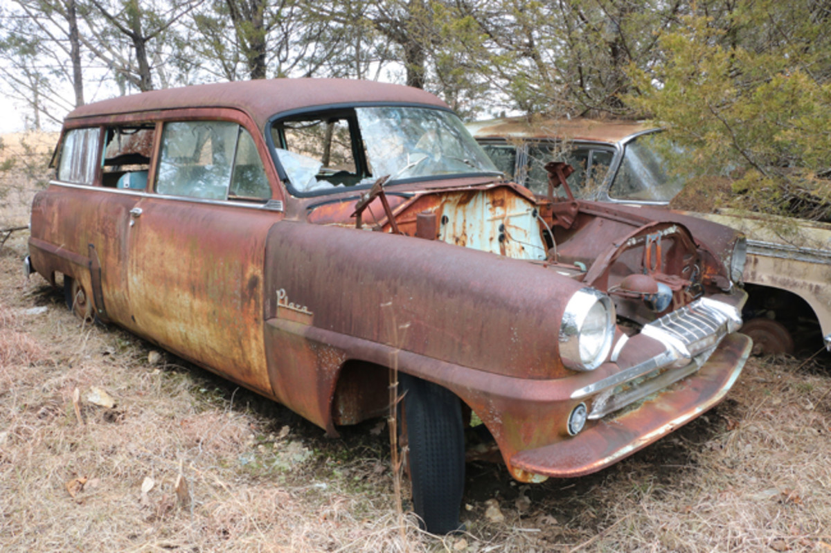 The best-selling Plymouth wagon in 1954 was this Plaza Suburban. It was also the most expensive Plaza, selling at $2,044. The flathead six engine is gone, but the transmission is still there.