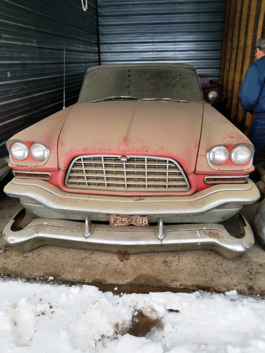 When Collar and Brown finally inspected the 300C, they found it in dry storage, but it had previously been stored in a barn for decades. The clean egg-crate grille was a feature of the 300C.