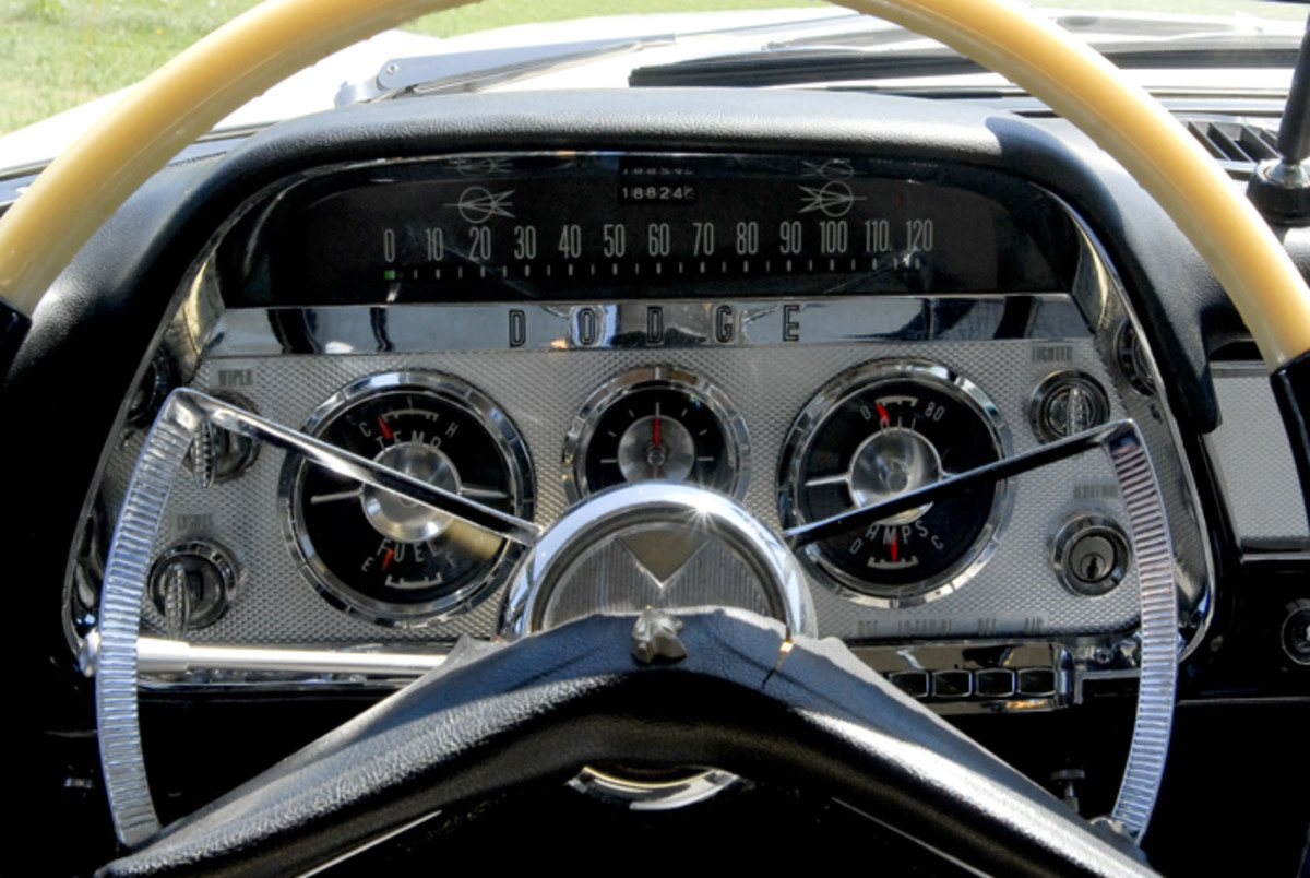 The Dodge's instrument panel balances an excellent layout with an impressive amount of brightwork.