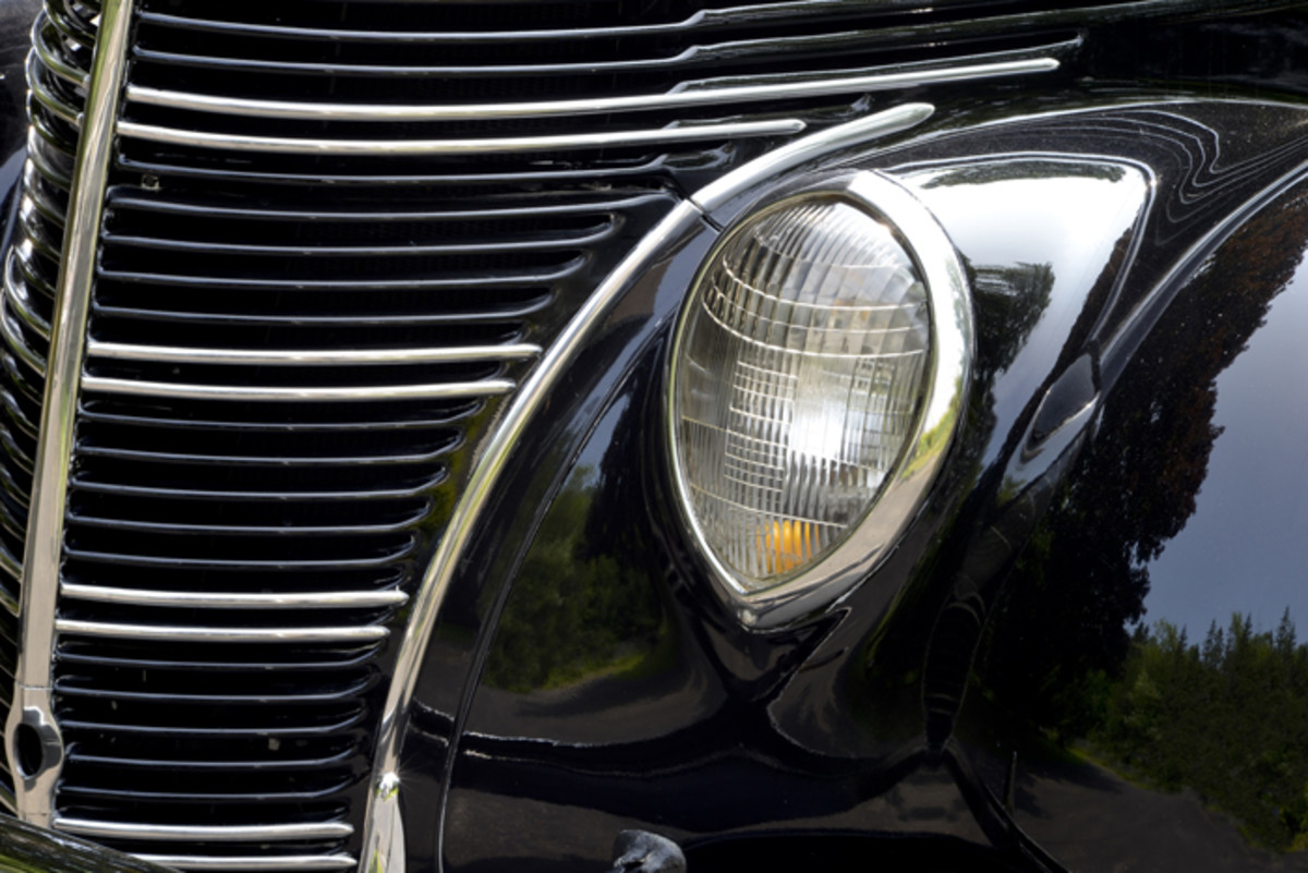 Like the 1937 Ford on which it was based, the 1938 Standard continues the transition toward smooth lines. Headlamps had become a part of the body's sheet metal.