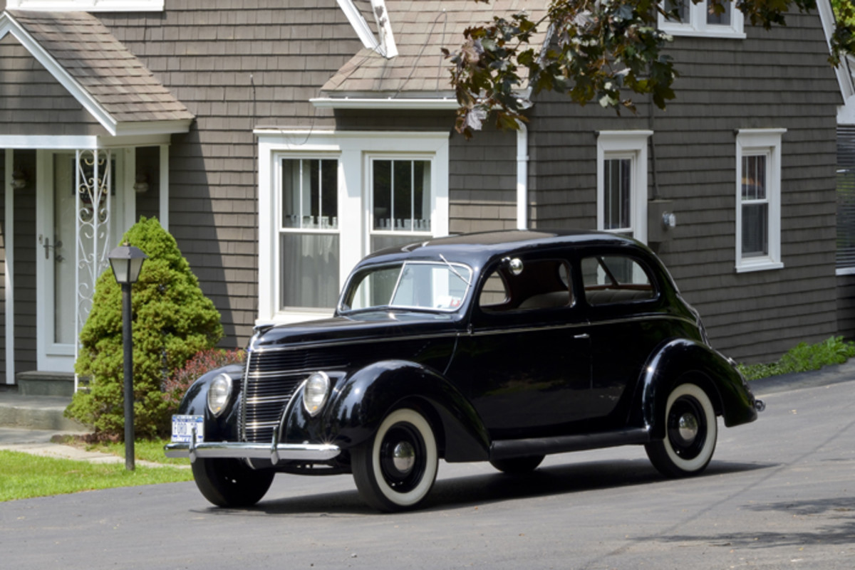 The Standard is what today might be referred to as the base model, but thanks to the trim and whitewalls, its appearance was hardly cheap. An owner in 1938 would have had no reason to be embarrassed.