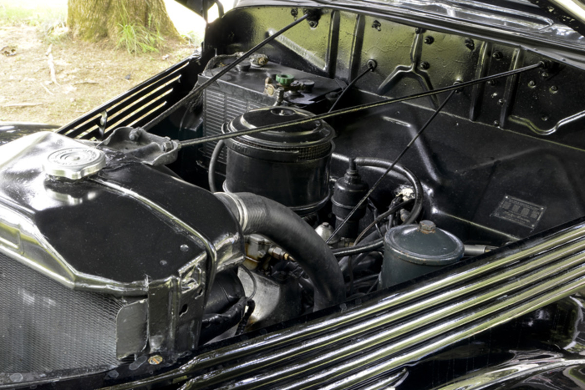 Tall, flexible mechanics with long arms are probably best suited to working on the Ford. A similarly difficult-to-reach engine was a problem for many of its contemporaries.