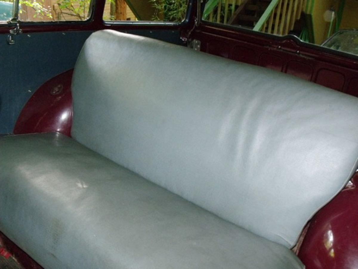 1952-Plymouth-Suburban-7