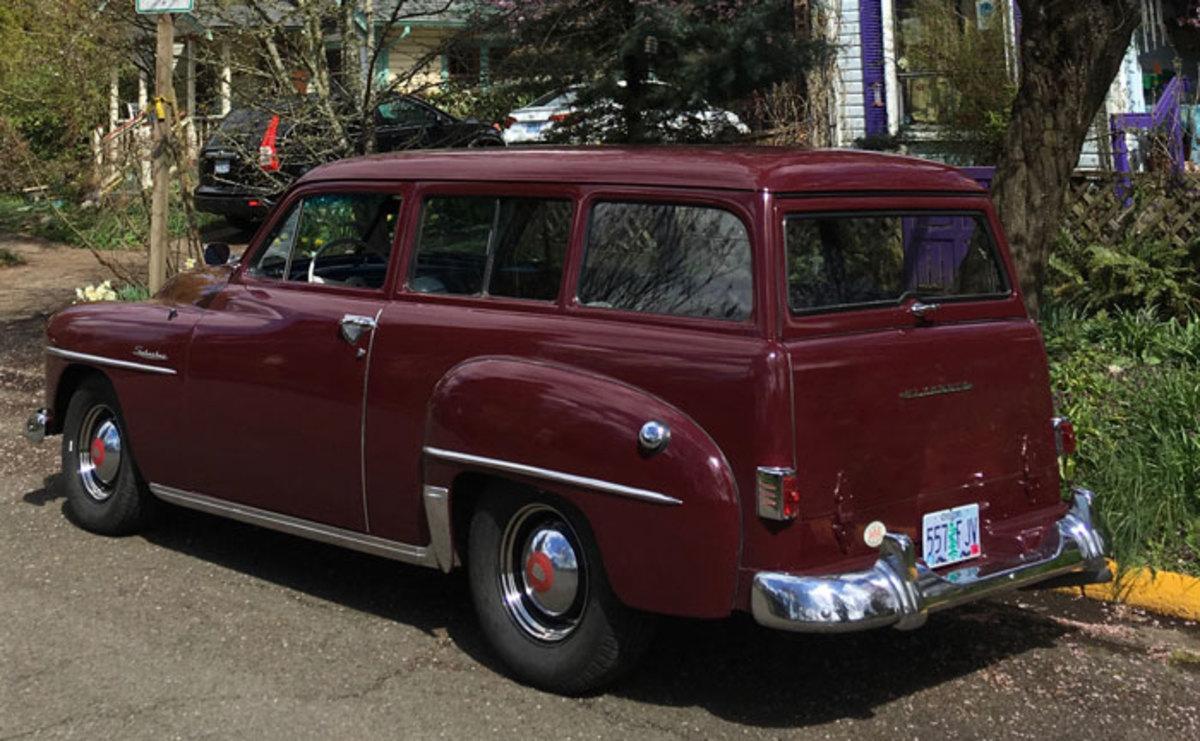 1952-Plymouth-Suburban-1