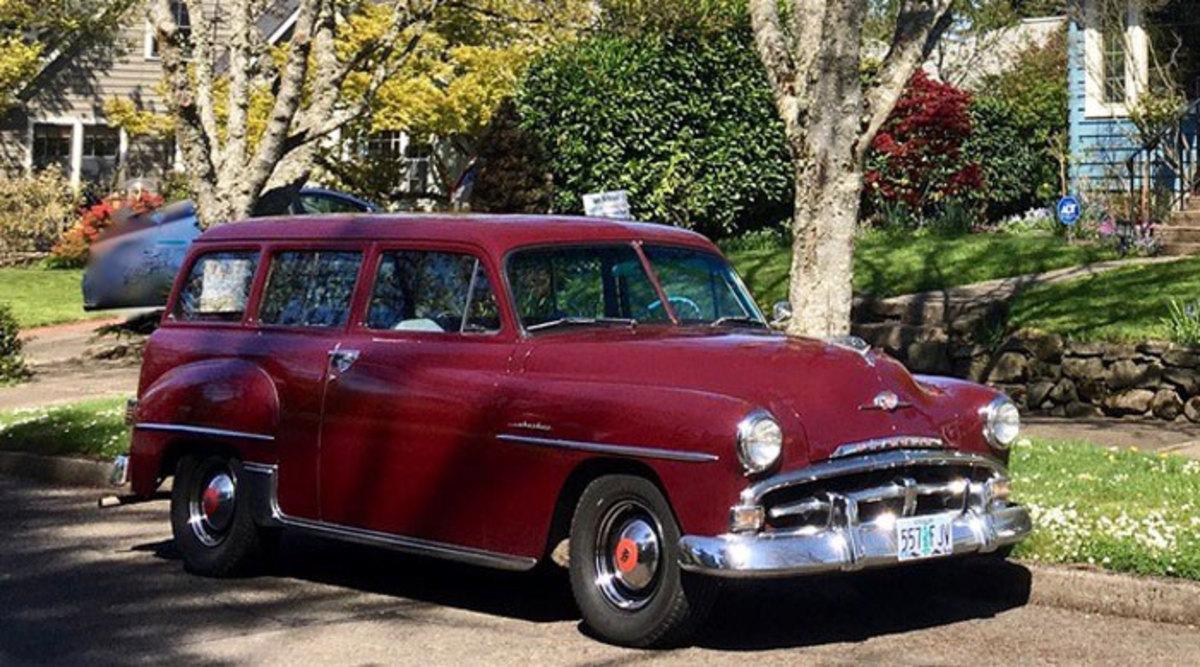 1952-Plymouth-Suburban-2