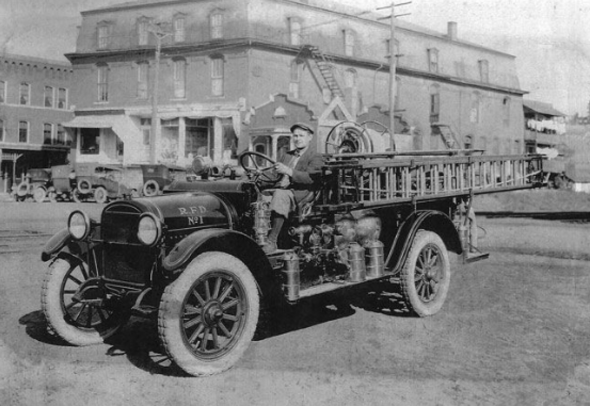 Reo Fire truck vintage