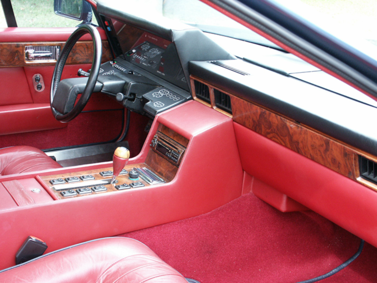 The Lagondas were certainly cutting edge when it came to interior instruments and  amenities. They featured plush upholstery, LED dashboards and touch pad buttons.