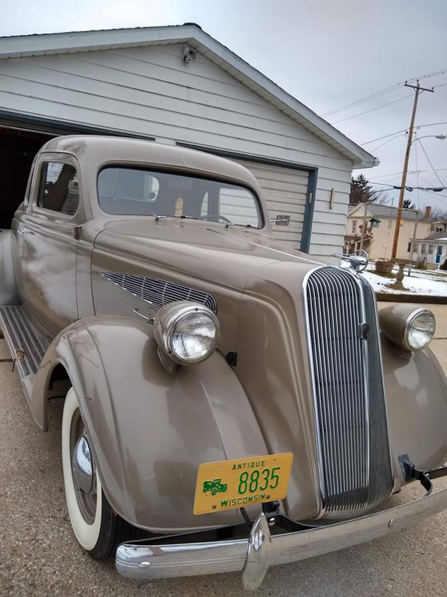 1936 Nash 400 front