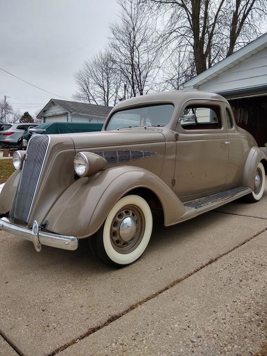 1936 Nash pass side