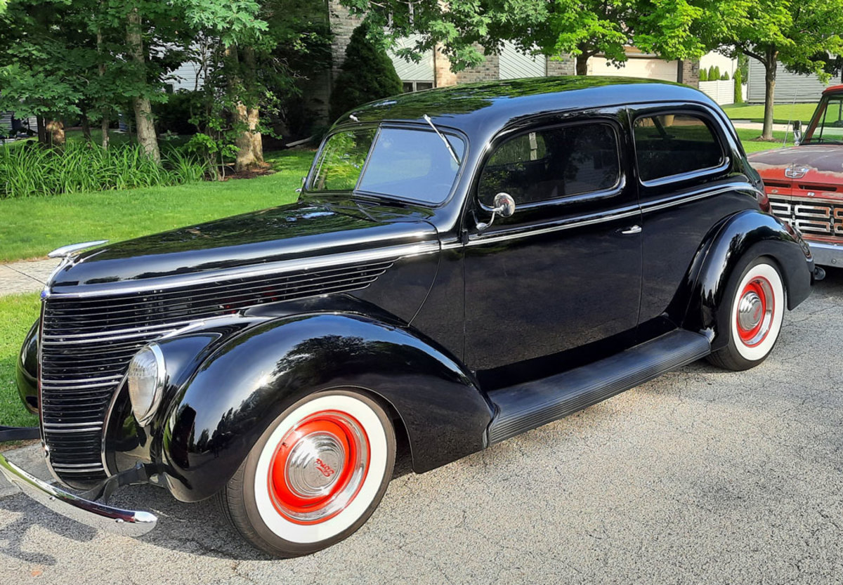 1938-Ford-Tudor-Model-81A