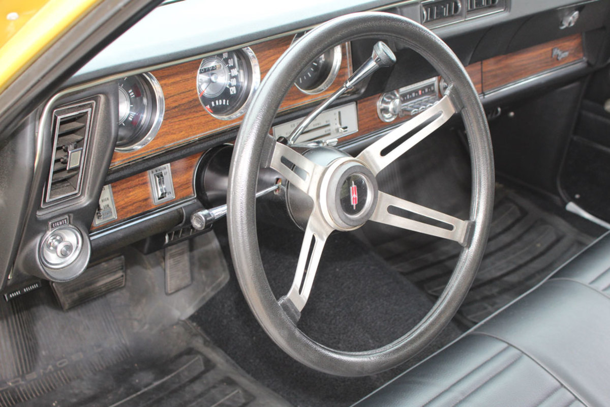 Maher went with thefour-spoke Sport steering wheel which would have been a factory upgrade option back in the day.