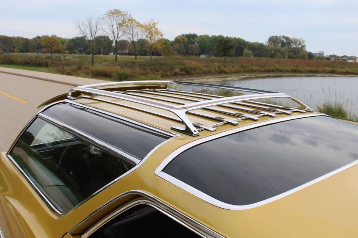Roof Rack and iconic Vista Cruiser sky light treatment.