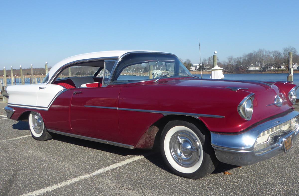 '57 Olds 88 Holiday Sedan