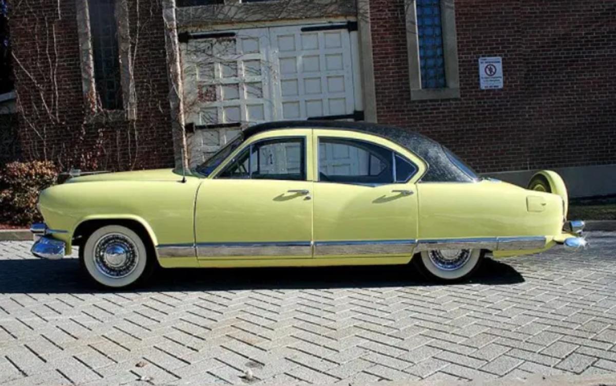 This 1951 Kaiser Deluxe sedan features Golden Dragon 3