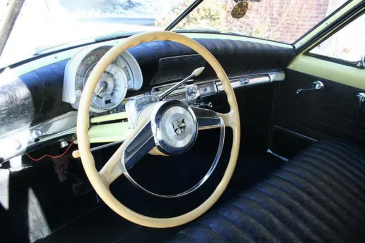 This 1951 Kaiser Deluxe sedan features Golden Dragon 4