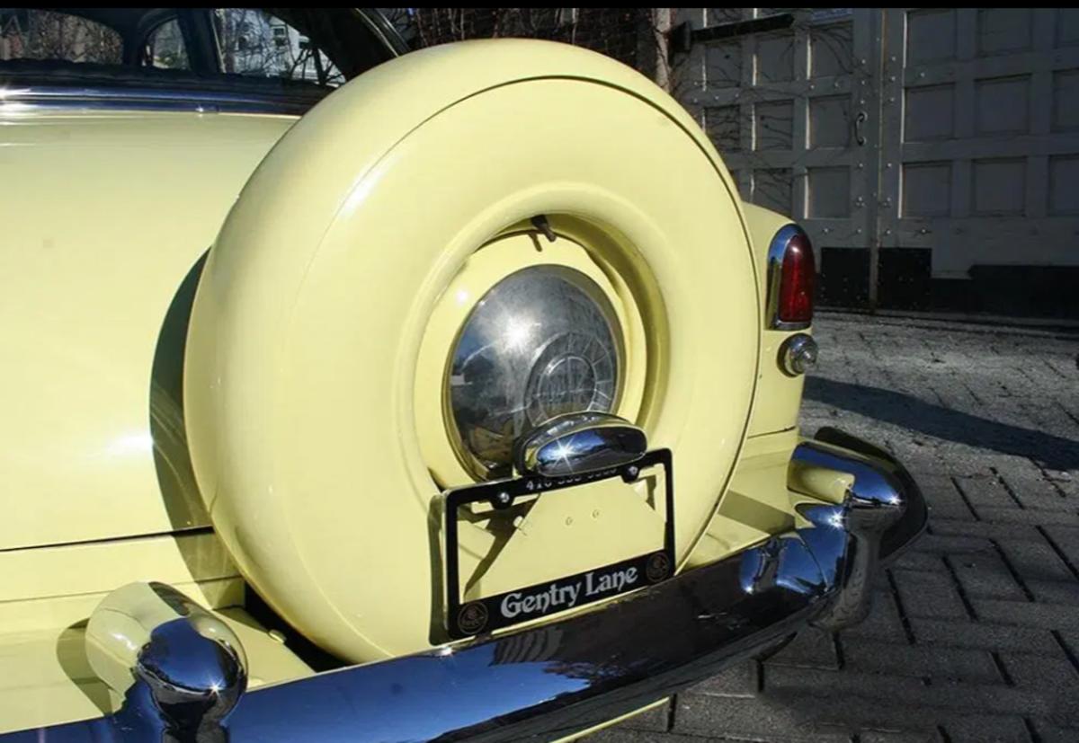 This 1951 Kaiser Deluxe sedan features Golden Dragon 5