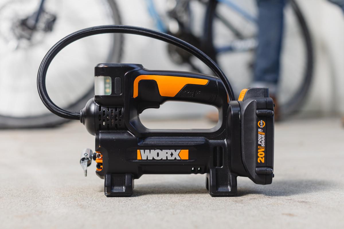 WORX 20V Inflator_WX0921_Product 1