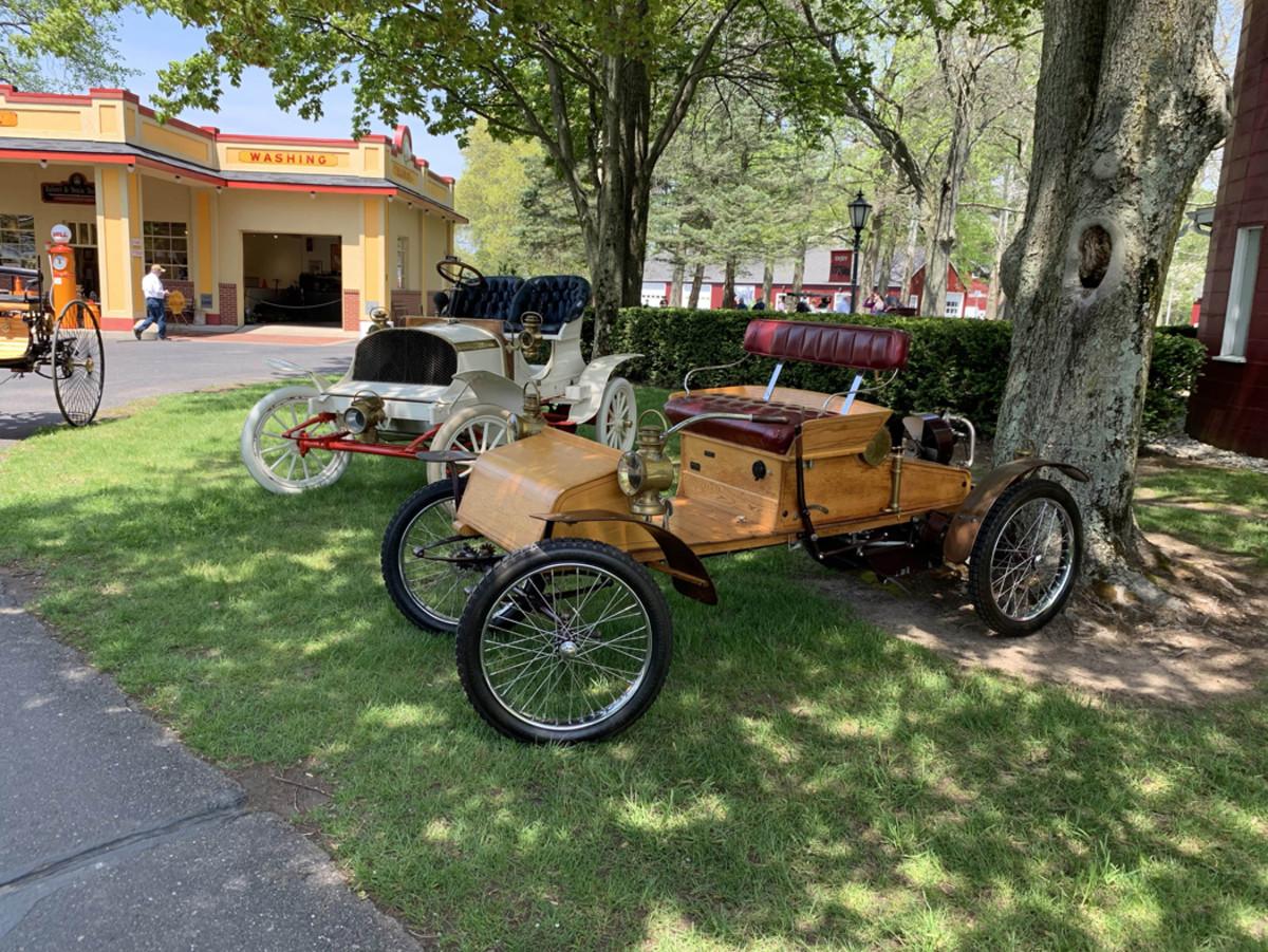 early 1900s vehicles-min