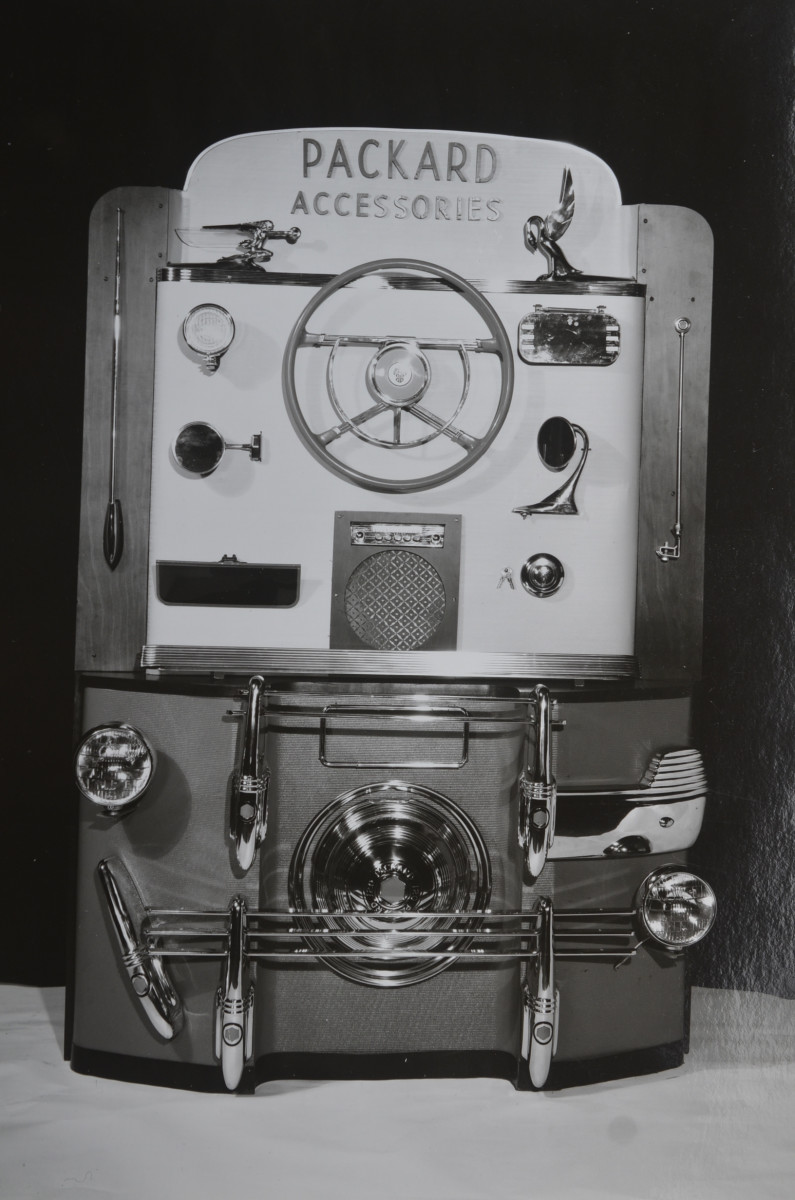 Packard dealerships could order an accessories display unit such as this from the factory in 1940.