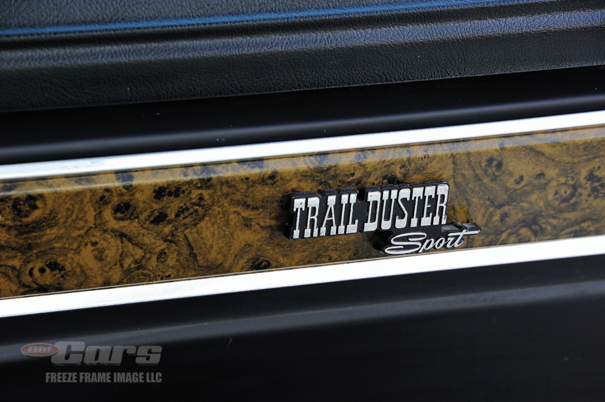 Trail Duster Sport badging and woodgrain appointments continue the theme.
