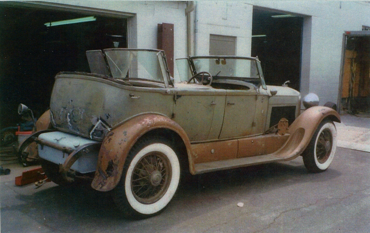 Before he passed away, Mark Welch masterfully repaired the damaged areas at the rear of the Lincoln. He didn't even have to remove the back seat to repair the damaged body.