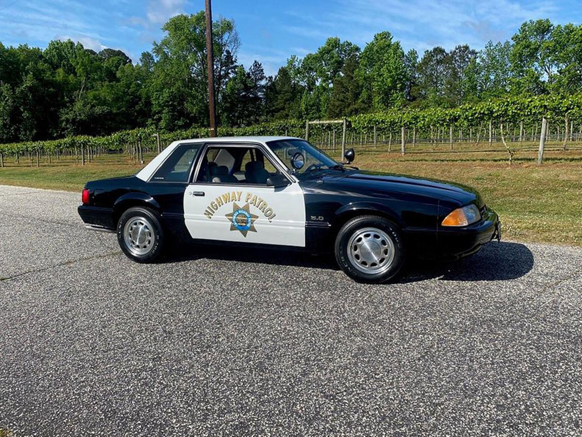 1992-ford-mustang-chp-training-car-1