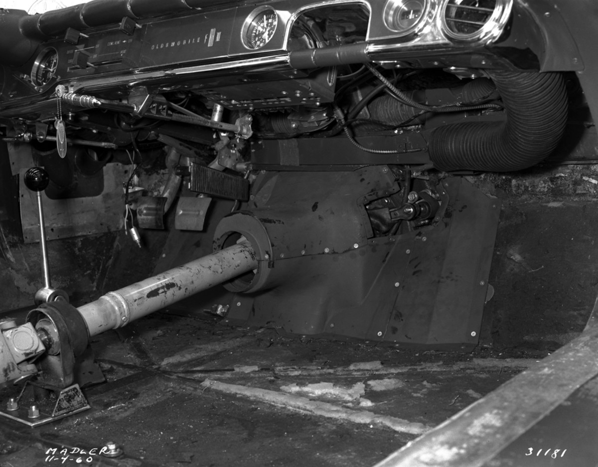 The presence of a clutch pedal reveals the Corvette four-speed transmission was in place by early November of 1960 (date of photo). GM carefully maintained the F-88-III for Harley Earl.